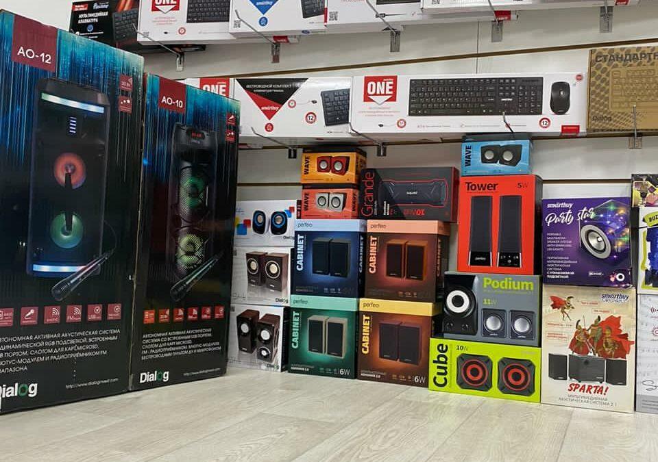 Телефоны и смартфоны и караоке на оптовом складе в Барнауле
